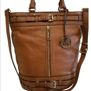 Beautiful Michael Kors Bucket bag